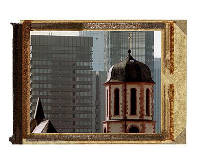 Kirche und Banken - p4170082 von Pat Meise