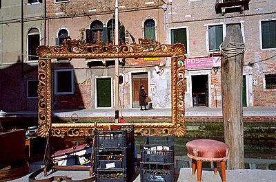 Streetlife in Venice - p1307m1162010 by Agnès Deschamps