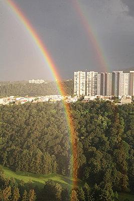 Regenbogen über Mexico City - p375m1563894 von whatapicture