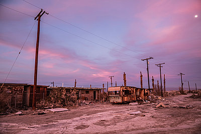 Abandoned caravans and debris, Salton Sea Beach, California, USA - p429m2074697 by Alan Graf