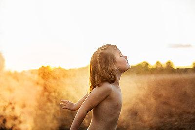 Girl at summer - p312m2092101 by Lisa  Öberg