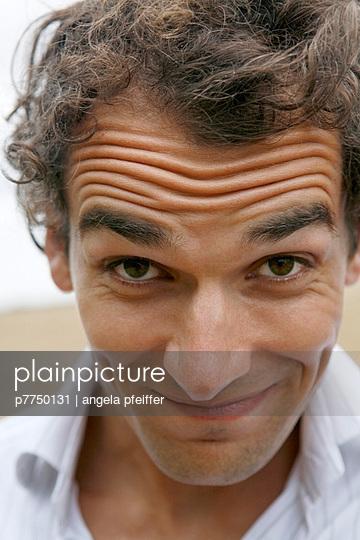 Skeptischer Blick - p7750131 von angela pfeiffer