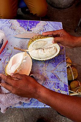 Durian - p637m2008489 von Florian Stern