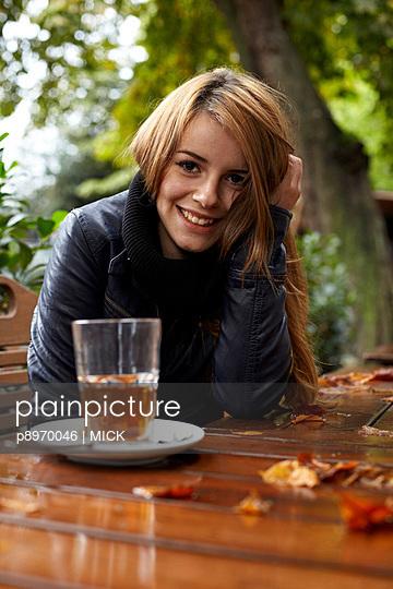 Tee im Herbst - p8970046 von MICK