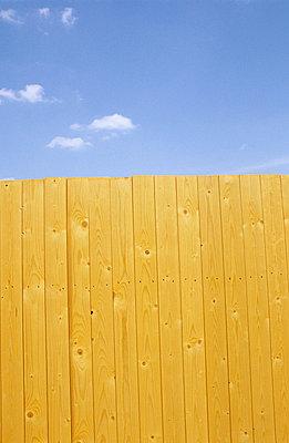 Wooden fence - p0451291 by Jasmin Sander