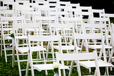 White wooden chairs - p8420010 by Renée Del Missier