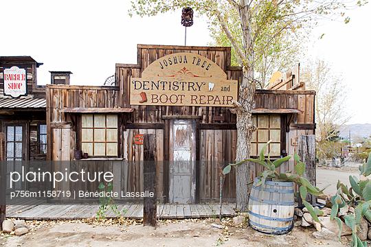 Palm Springs - p756m1158719 von Bénédicte Lassalle