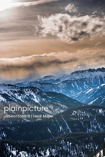 Berge - p954m1516618 von Heidi Mayer