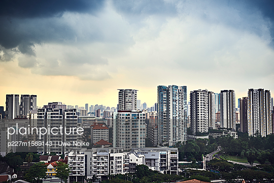Wohnblocks in Singapur - p227m1589143 von Uwe Nölke