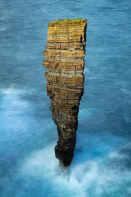 North Gaulton Castle sea stack off the wild west coast of the Orkney Islands, Scotland, United Kingdom, Europe - p871m2209431 by Adam Burton