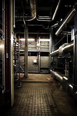 Heizraum eines Kraftwerks - p902m814650 von Mölleken
