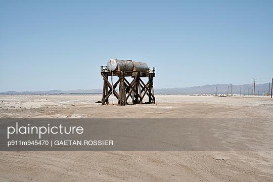 Réservoir - p911m945470 by Gaëtan Rossier