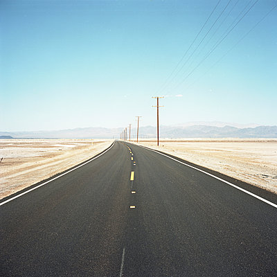 Endless road - p911m945423 by Gaëtan Rossier