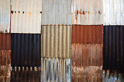 Corrugated iron wall - p9246714f by Image Source