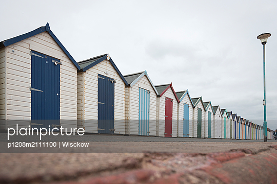 Changing rooms on the beach - p1208m2111100 by Wisckow