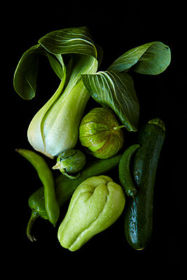 Green Vegetables - p1166m2136414 by Cavan Images