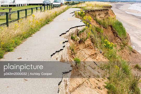 p343m2000032 von Ashley Cooper