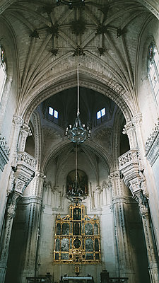 Portugal, Cathdral with altar - p1681m2263278 by Juan Alfonso Solis