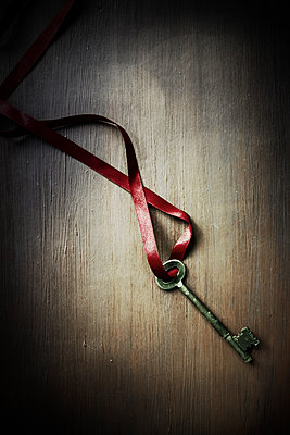 Key and Ribbon  - p1248m1503207 by miguel sobreira