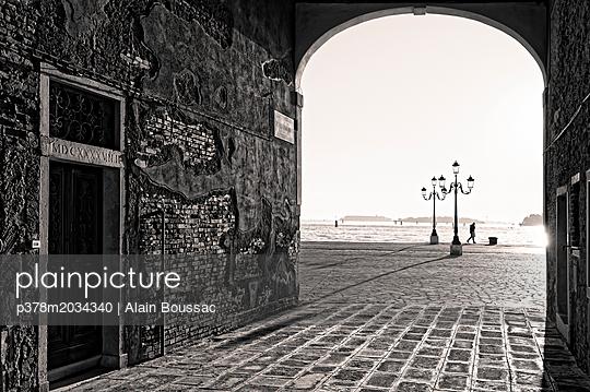 p378m2034340 von Alain Boussac
