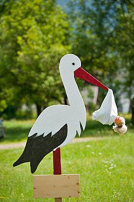 Der Storch bringts - p229m851777 von Martin Langer