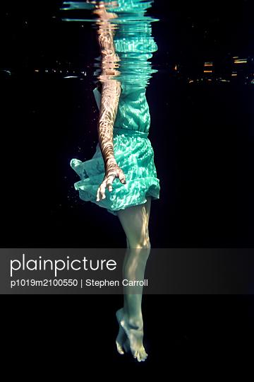 Girl Underwater  - p1019m2100550 by Stephen Carroll
