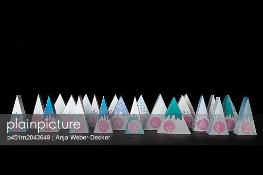p451m2043649 by Anja Weber-Decker