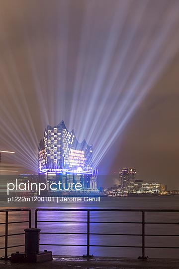 Elbphilharmonie - p1222m1200101 von Jérome Gerull