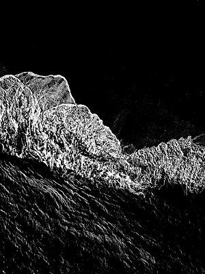 Wellen und Gischt, Luftaufnahme - p1455m2204522 von Ingmar Wein