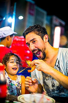 Streetfood - p680m1511677 von Stella Mai