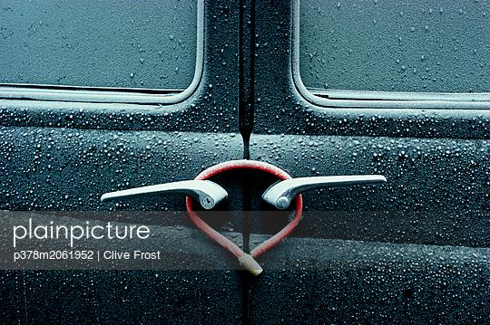 p378m2061952 von Clive Frost