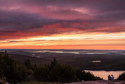Sonnenuntergang - p954m1171362 von Heidi Mayer
