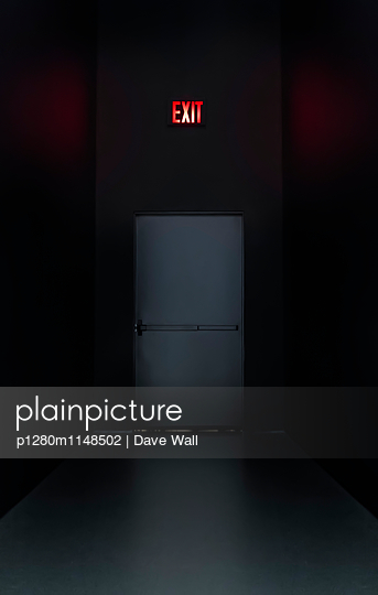 Exit - p1280m1148502 von Dave Wall