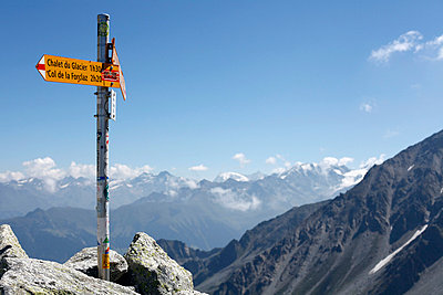 Signs in alpine landscape - p3882945 by Leyens