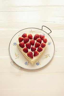 Cake - p4642480 by Elektrons 08