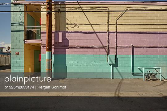 p1525m2099174 by Hergen Schimpf
