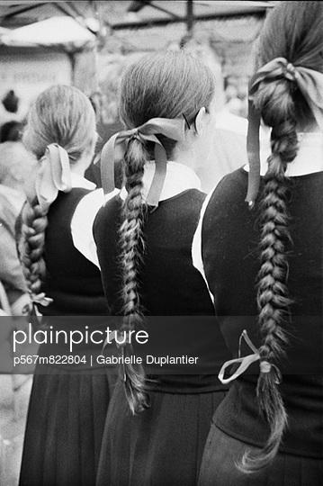 Schulmädchen - p567m822804 von Gabrielle Duplantier