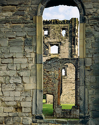 Ashby de la Zouch Castle. General view. - p8551682 by English Heritage photography