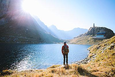 Bergsee bei Sonnenschein - p1396m2045680 von Hartmann + Beese