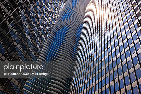 Chicago Skyscrapers - p1100m2090939 by Mint Images