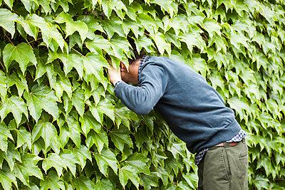 Curious man - p1078m2288669 by Frauke Thielking