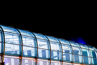 Illuminated glass roof - p401m2219851 by Frank Baquet
