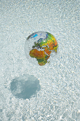 Earth on water - p4641196 by Elektrons 08