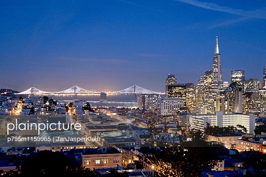 Skyline San Francisco - p795m1159965 von Janklein