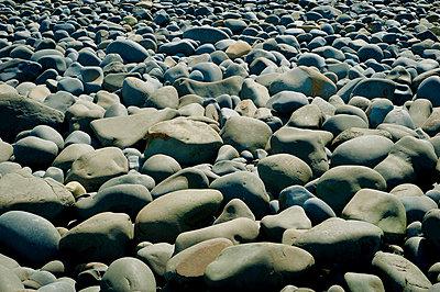 Stones on beach - p1125m918029 by jonlove