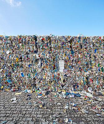 Waste - p719m1000593 by Rudi Sebastian