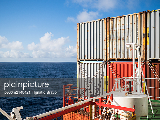 Containerschiff - p930m2148421 von Ignatio Bravo