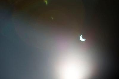 Solar Eclipse - p226m1034762 by Sven Görlich