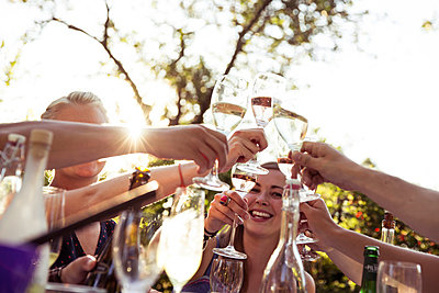 Cheers! - p788m823804 von Lisa Krechting