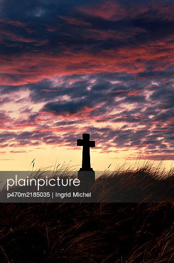 Grave in Ireland - p470m2185035 by Ingrid Michel